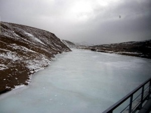 Gefrorener Fluss Tibet