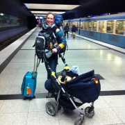 Traveling alone as a woman, with baby, stroller and backpack, travel with kids