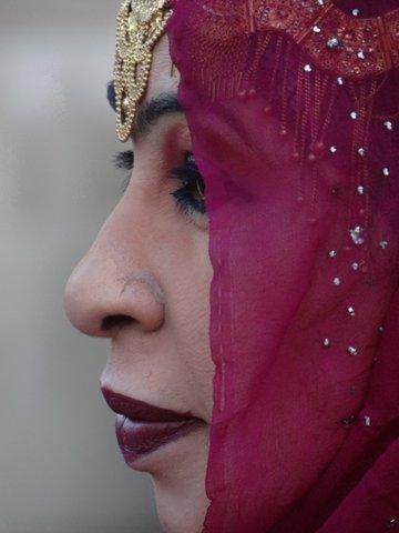 Frau im Seitenprofil, Oman