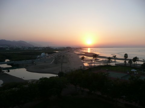 Shaatti, Oman Zwischen Bikini und Abaya